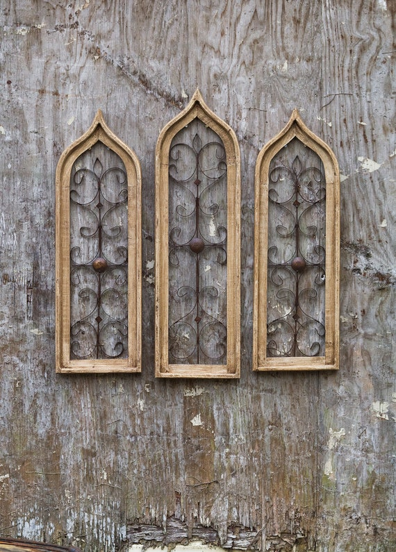 Narrow Ivory Cathedral Window Frame Art Metalrusticreclaimed Woodwood Signfarmhousevintagewoodantiqueshabby Chicprimitiveshutters
