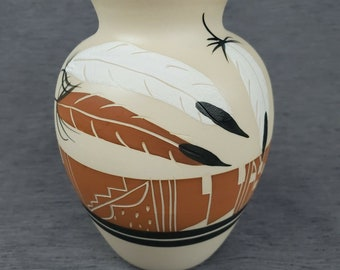 beautiful pottery art vase by Betty Selby #325 Superb typical signed BETTY SELBY pottery vase 10 approx