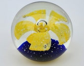 Glass Paperweight - Controlled Bubble Misty Large Yellow Lily - Blue base - Large Center Bubble Blossom