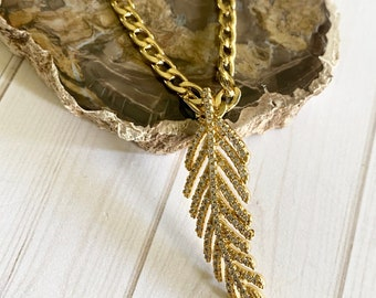 Tira Collection - Gold Chain and Feather Necklace | Beautiful Chain | In Style Necklace | Necklace Gift | Custom Size Necklace
