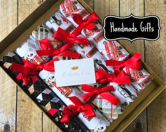 b7fb52a465f8 Luxury Personalised Christmas Crackers with Handmade gifts City of London  glitter design