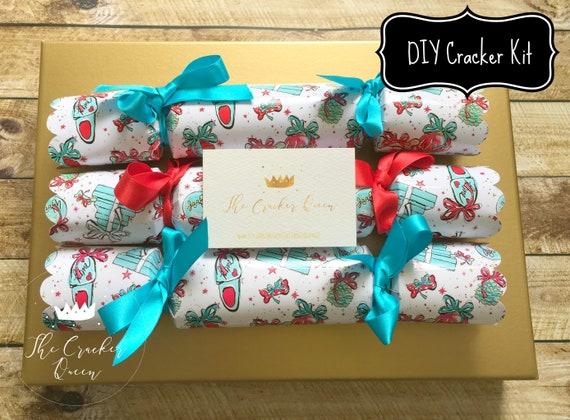 Christmas Crackers Diy.Diy Cracker Kit Luxury Personalised Dog Gift Christmas Crackers Doggy Glitter Design