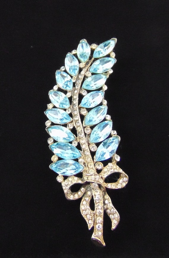 Vintage Signed Staret Feather Brooch Pin in Aqua M