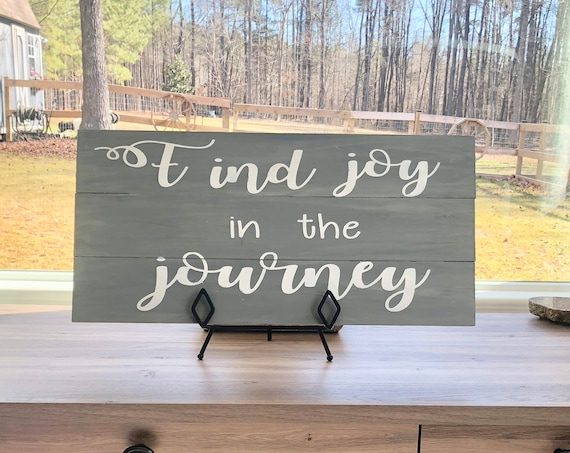 Find Joy In The Journey | Hand painted Wood sign | Wood Pallet