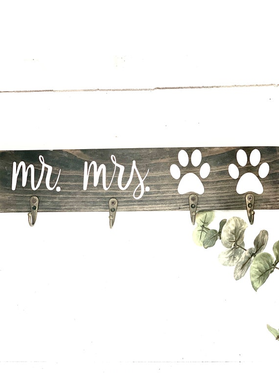 Mr and Mrs Key Holder   Wedding Gifts   Gifts for newlyweds   Gifts for Dog Lover   Christmas Gift