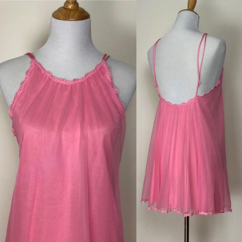 3c84a84c9ea 1960s Vanity Fair bubblegum pink pleated nylon double layer