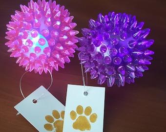 Squeaker Dog Toy - Light Up Dog Ball - Spiky Flashing Ball