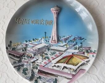 Vinage Seattle World's Fair 1962 3-D Dimensional Plate Space Needle, Coliseum, Science Center