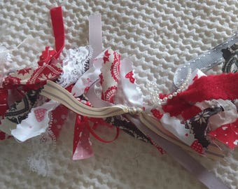 Valentine Red and Grey Hearts Pretty Garland