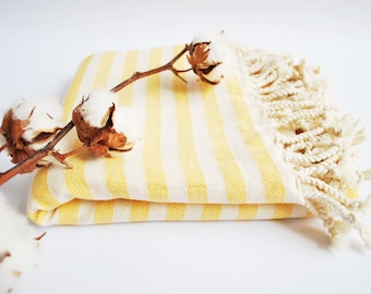 SALE / Striped Turkish Towel with Tassels / Rustic Linen / Couch Throw / Stripe Table Cloth/ Picnic Throw/ Spa Towel/ Scandinavian Bed Cover