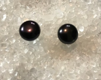 Black Dark Purple  freshwater pearl stud earrings