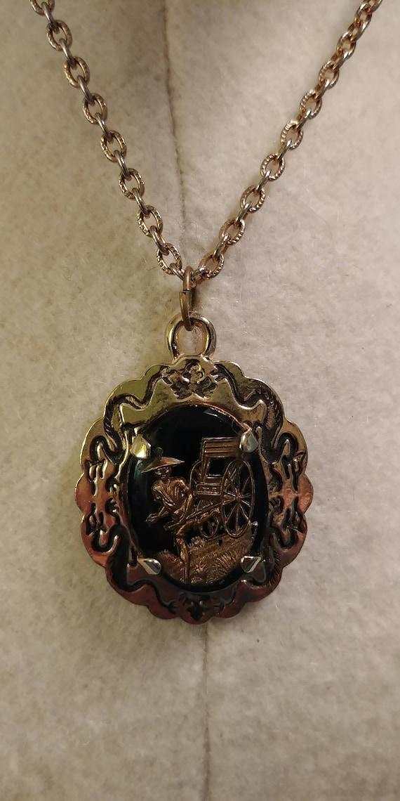 East Asian Pendant Necklace