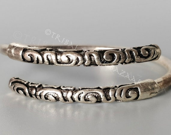 TRIBAL BANGLE Adjustable Oxidized and high polish silver tone adjustable wrist and arm bangle unisex