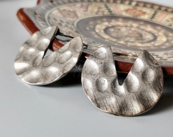 MINIMALIST EARRINGS Antique silver tone hammered earrings