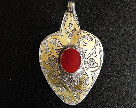 TURKMEN YOMUD PENDANT Antique Yomud Asyk Turkmen Silver Pendant Etched Gold-wash with focal carnelian