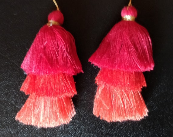 RED TRIPLE TASSELS set of 2 cotton tassels made of 3 shades of Red: peach red, strawberry and Siam reds. Great for many diy boho projects