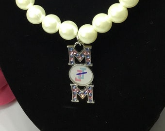 Faux pearl necklace with MOM pedant/ Pearls/ Mom bling/ Boss/ African American