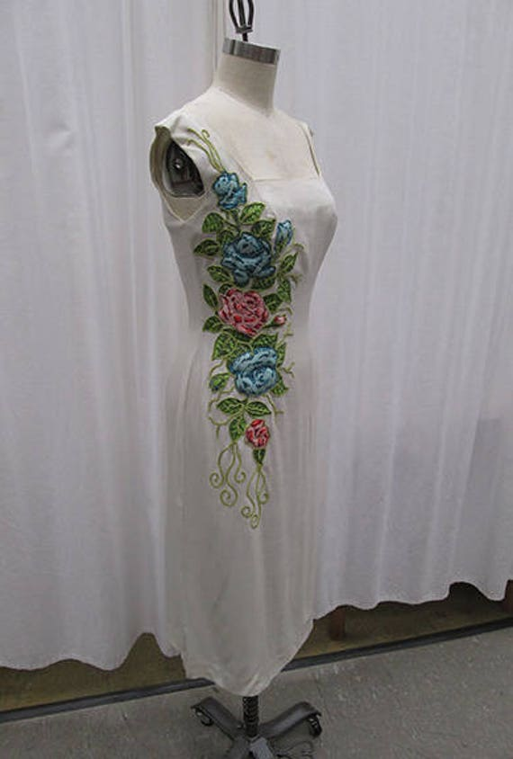 Vintage 1960s Sheath Dress with Stunning Floral Tr