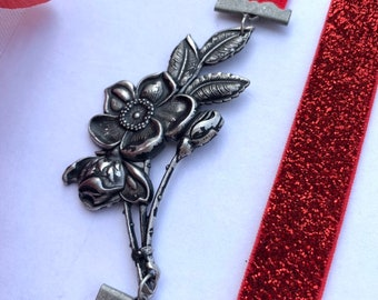 Tarnished Silver Flower Connector Bookmark