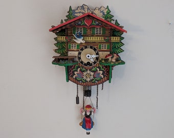 black-forest-girl-pendulum-mini-clock