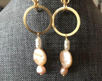 Drop dangle freshwater pearl gold beachy minimalist earrings