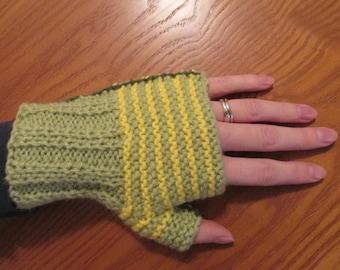 Knitting PDF Pattern – Easy Striped Knitted Fingerless Mittens – Marvellous Medium – Easy Knitting Pattern – Instant Digital Download