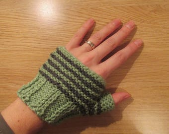 Knitting PDF Pattern – Easy Striped Knitted Fingerless Mittens – Short and Snug – Easy Knitting Pattern – Instant Digital Download