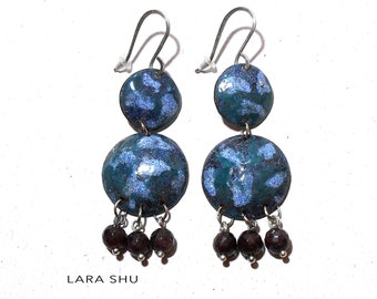 Earrings with garnet hot enamel