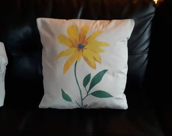 Hand-painted Cushion cover Yellow Daisy
