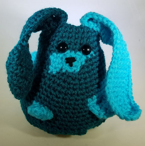 Free crochet pattern: Tiny bunny with straight or floppy ears | 572x570