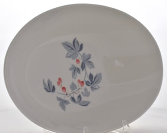 Mid-Century Kokura Ware Reverence Oval Serving Bowl with Pink Berries | Vintage White Ceramic | 10 inch | Made in Japan | Entertaining China