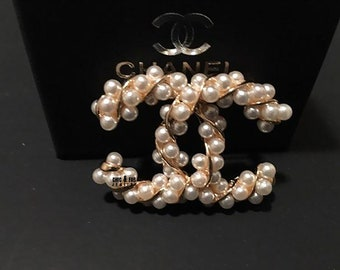 1792cd9c9cf CC Brooch with Twisted Pearls and Gold - CC Brooch