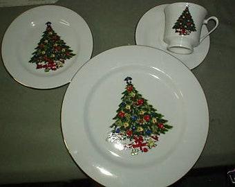 Sea Gull Fine China Christmas Pattern Jiam Shiang 4 Place Setting Holiday