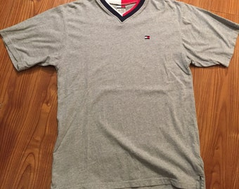 90s Tommy Hilfigher V Neck T Shirt