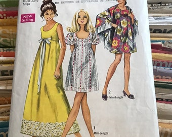 Simplicity 1970s Boho Dress Sewing Pattern / Misses Summer Frock Gown w/Puff Sleeves & Shawl w/Fringe / Size 10, Bust 32 1/2 / 8738