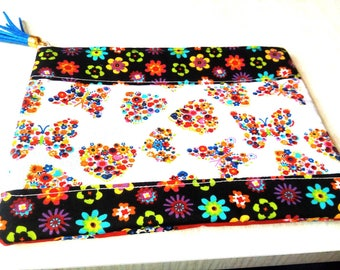 Storage/Pocket fabric flowers and butterflies make up kit