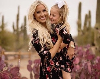 39fd8285cc4 MATCHING MOM DAUGHTER Beautiful Floral Summer Dresses