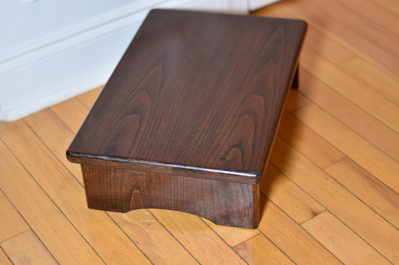 Fantastic Large Cherry Hardwood Step Stool Bedside Platform 18X12 In Cherry And 5 6 7 8 Inch Height Tall Bedside Grandma Grandpa T Custom Caraccident5 Cool Chair Designs And Ideas Caraccident5Info