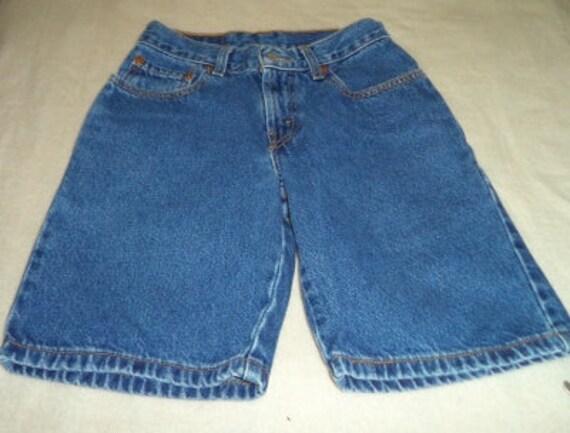 a20c6ddb Vintage Levi's long shorts size 8 regular waist 24   Etsy