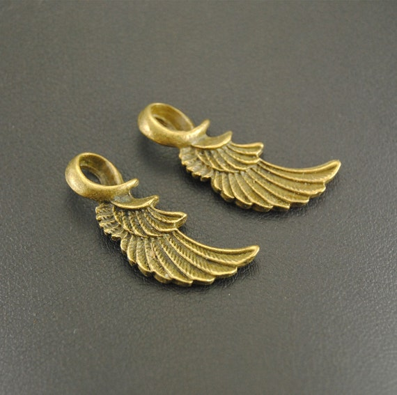20 x Antique Gold Angel Wing 30mm /& 17 mm /& Star Charms *Free P/&P*