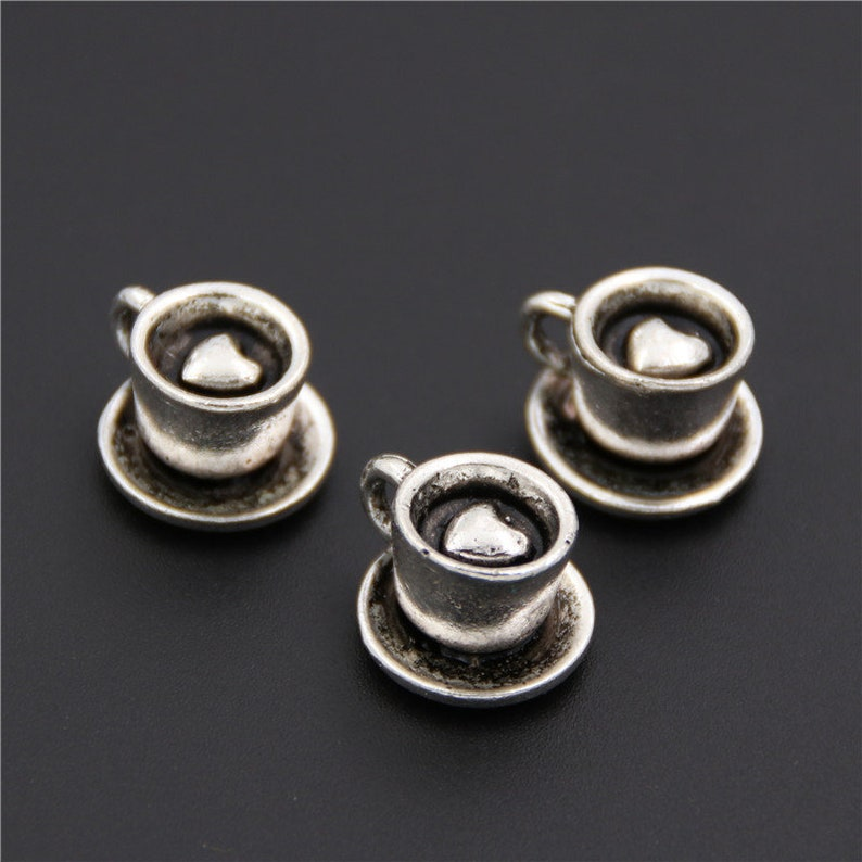 I Love To Read Charm//Pendant Tibetan Antique Silver 14mm  8 Charms DIY Jewellery