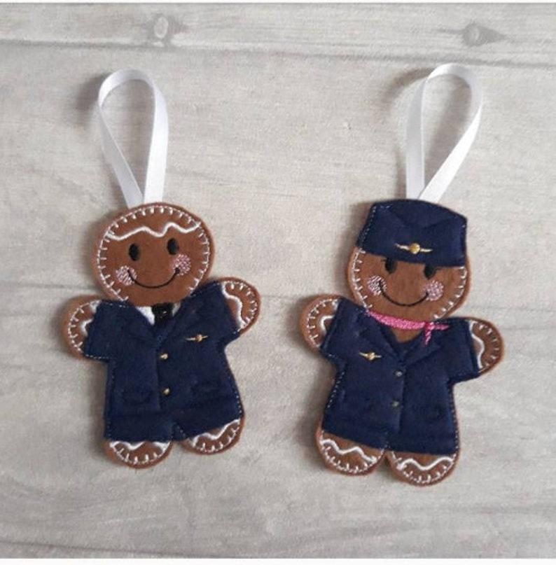 Male pilot and female pilot gingerbread Christmas decoration.Captain felt xmas tree bauble.AviatorAviation fan or plane spotter gift idea