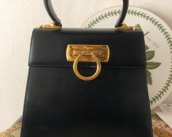 Authentic Salvatore Ferragamo Gancini Bag 1f01ee127fabc