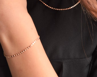Gorgeous eye-catching rose gold bracelet. Unique circle chain. Flat bead. High shine.Adjustable.Stunning.Modern. Geometric Gift for her