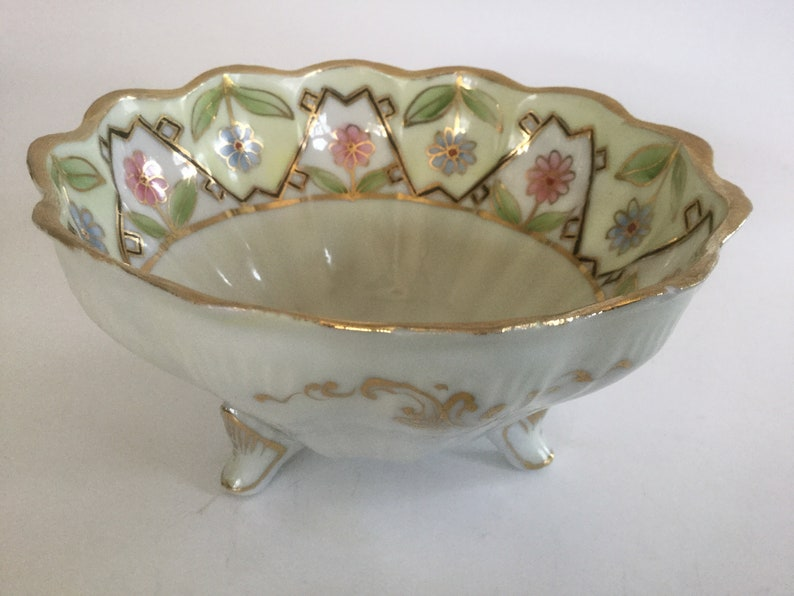 Beautiful Bowl NIPPON Footed Bowl Antique Bowl. Vintage Bowl NIPPON Berry Bowl Vintage Nippon Bowl Japanese Bowl Fluted Bowl