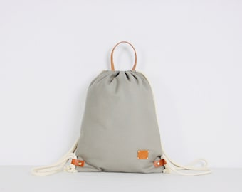 659462fec4e82 KAKO - Gymbag. Turnbeutel. Stylish companion. Traveller. Rucksack. Backpack.  Festival bag. Beige.