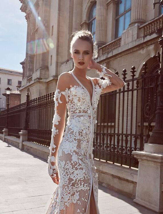 Long Sleeve Wedding Dresses Sheer Back Bridal Gown Lace Wedding Dress Unique Wedding Dress V Neck Weeding Gown Bohemian Bridal Gown