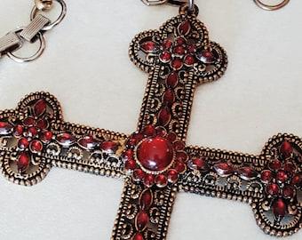 Vintage Extravagant Cross Necklace