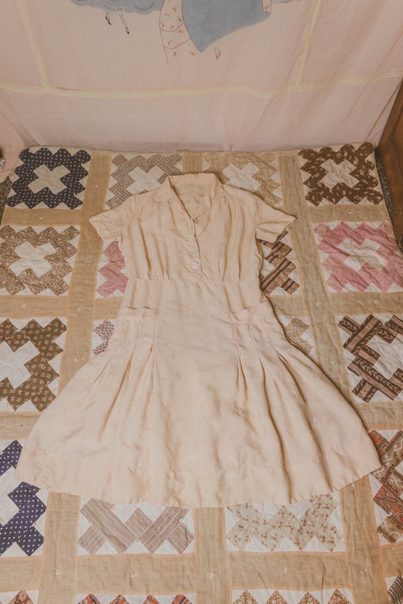 Early 1940's rayon dress with faux pockets - image 8