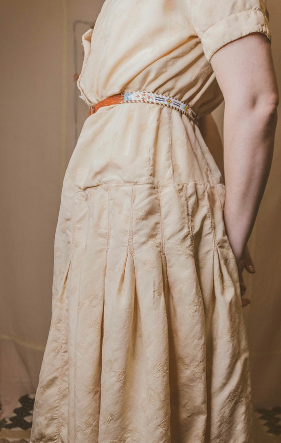 Early 1940's rayon dress with faux pockets - image 7